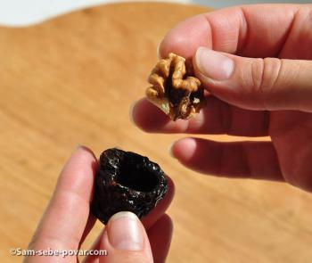 фаршируем чернослив орехом, пошаговое фото