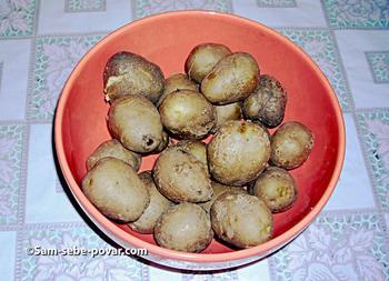 варим картофель в мундире, фото