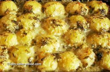 готовый запеченный картофель, фото