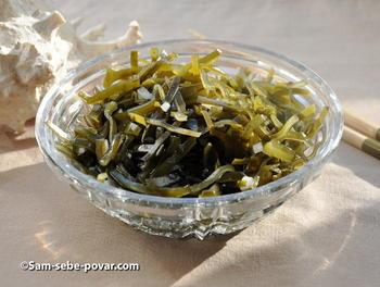 готовый салат из морской капусты, рецепт с фото