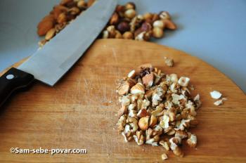 измельчаем орехи, пошаговое фото
