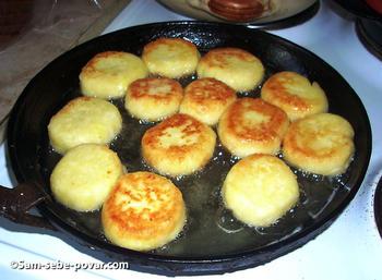 жарим сырники, пошаговое фото