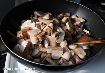 пошаговое фото, жарим грибы с луком
